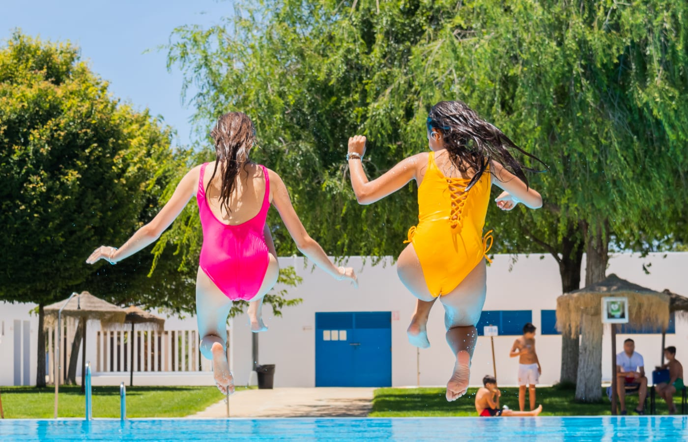Cách dùng băng vệ sinh khi đi bơi